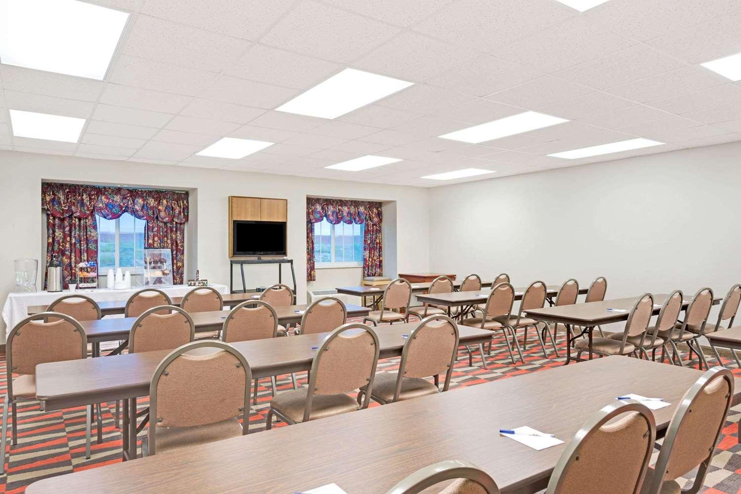 Meeting Facilities - Microtel Inn & Suites by Wyndham Urbandale