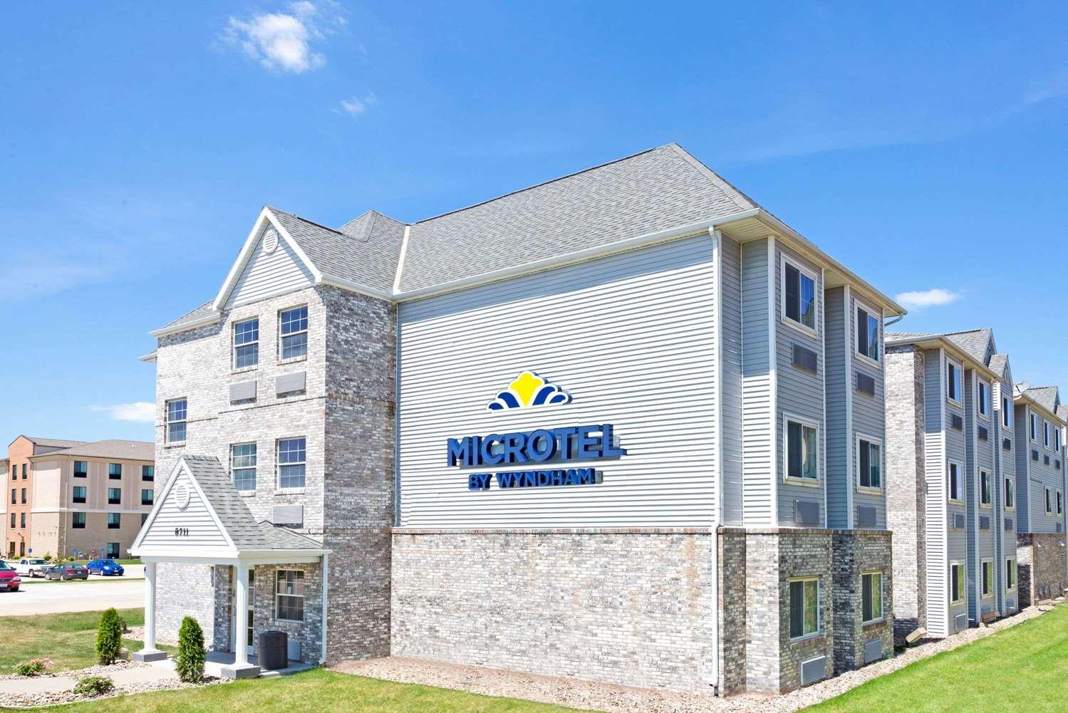 Exterior view - Microtel Inn & Suites by Wyndham Urbandale