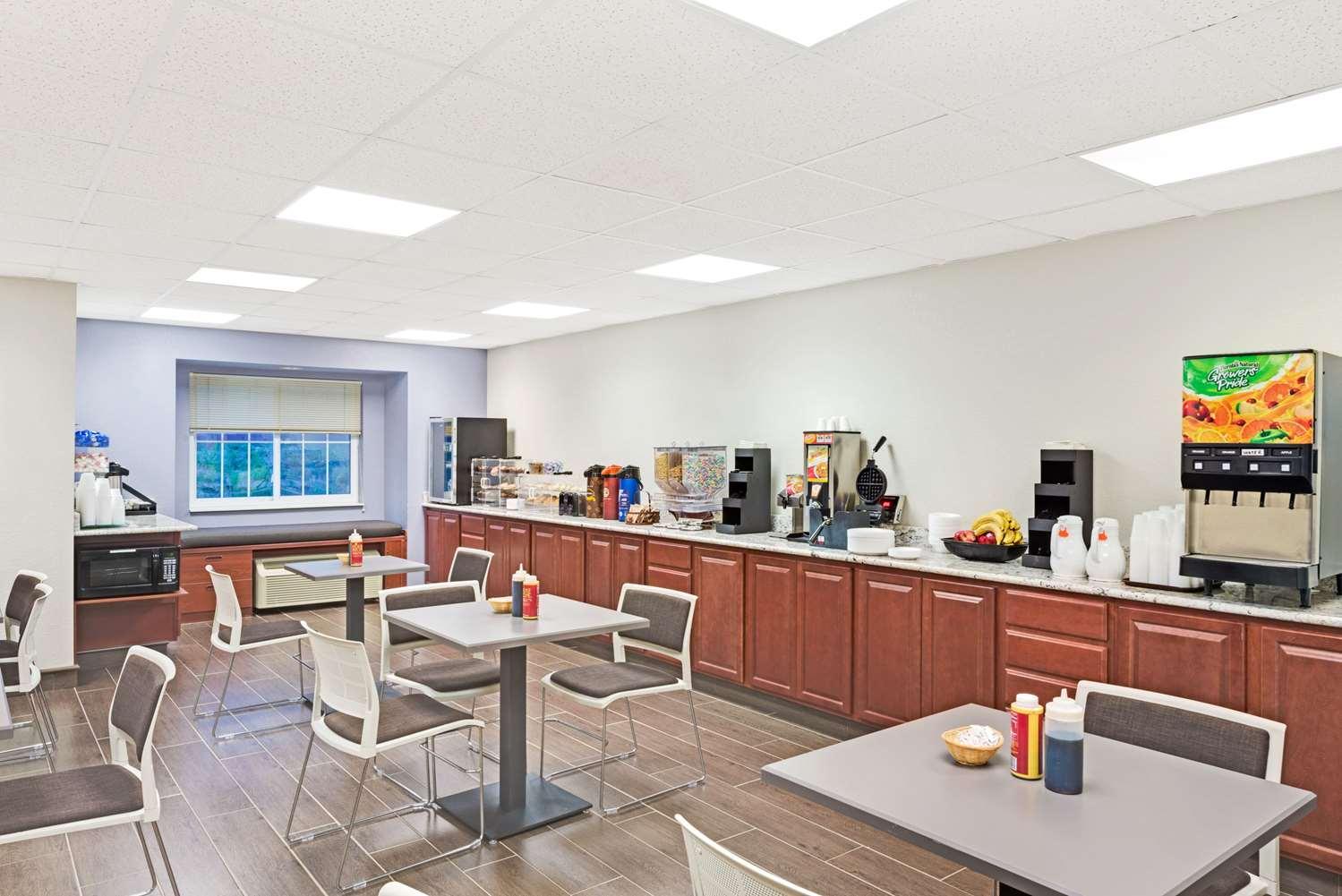 proam - Microtel Inn & Suites by Wyndham Urbandale