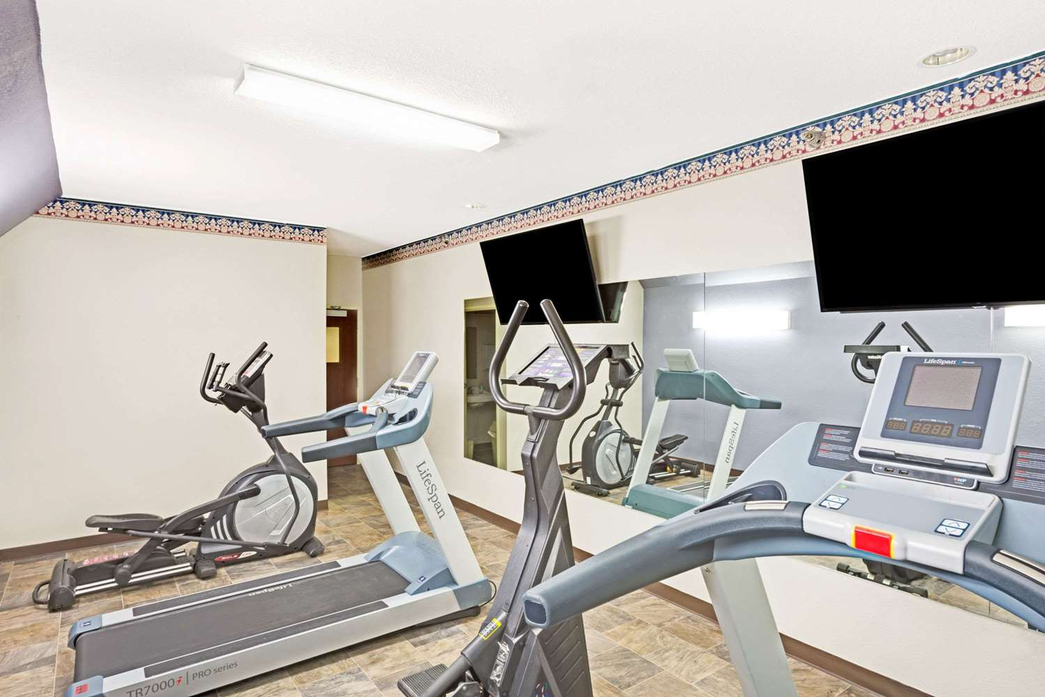 Fitness/ Exercise Room - Microtel Inn & Suites by Wyndham Urbandale