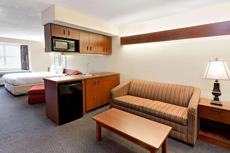 Suite - Microtel Inn by Wyndham Perimeter Atlanta