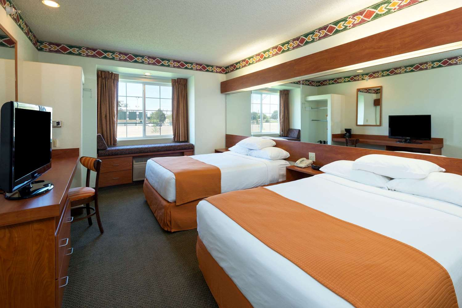 Room - Microtel Inn & Suites by Wyndham Pueblo
