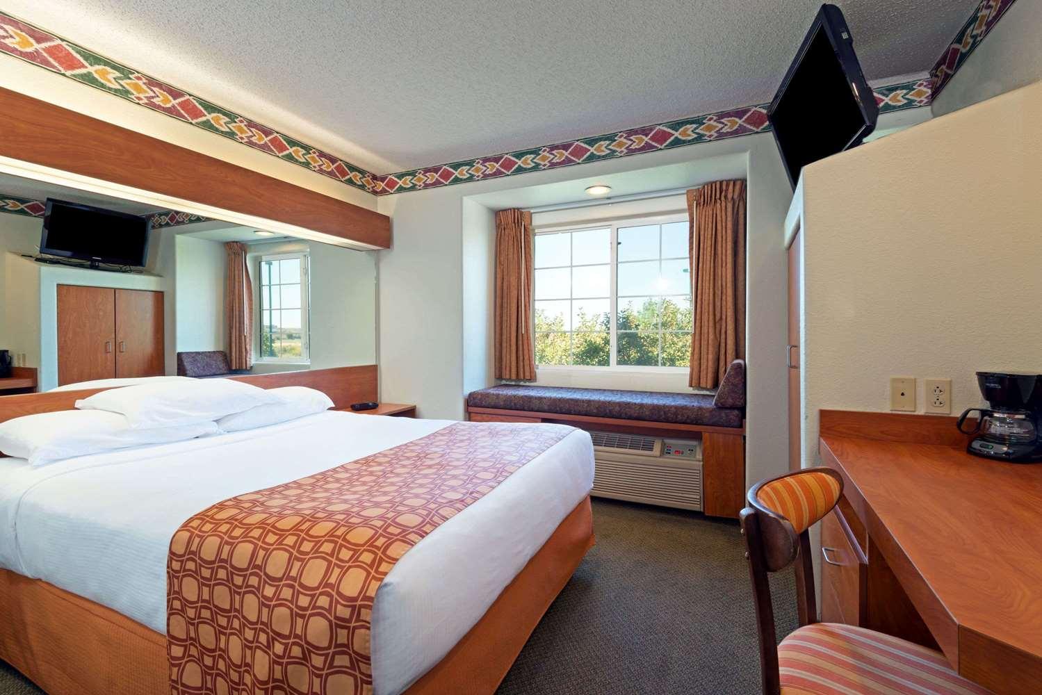Suite - Microtel Inn & Suites by Wyndham Pueblo