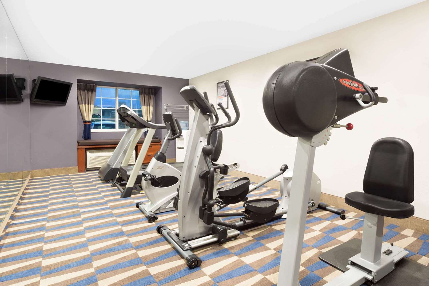 Fitness/ Exercise Room - Microtel Inn & Suites by Wyndham Bremen