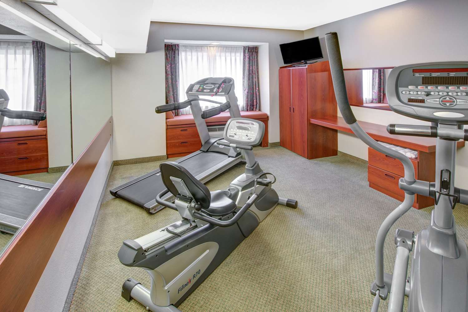 Fitness/ Exercise Room - Microtel Inn by Wyndham Hattiesburg