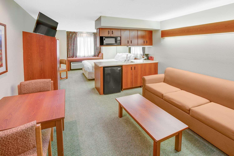 Suite - Microtel Inn by Wyndham Hattiesburg