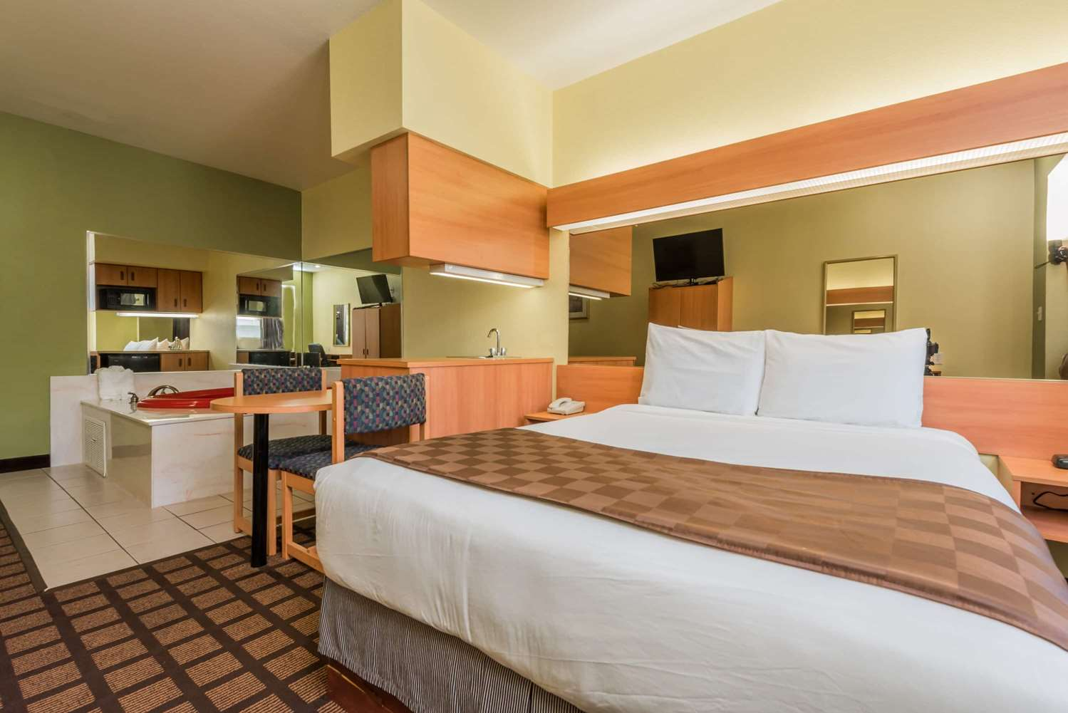 Suite - Microtel Inn & Suites by Wyndham North Fort Worth