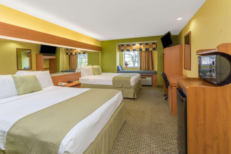 Suite - Microtel Inn & Suites by Wyndham Kingsland