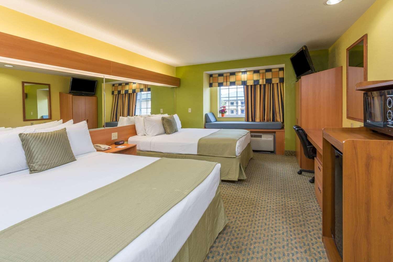 Room - Microtel Inn & Suites by Wyndham Kingsland