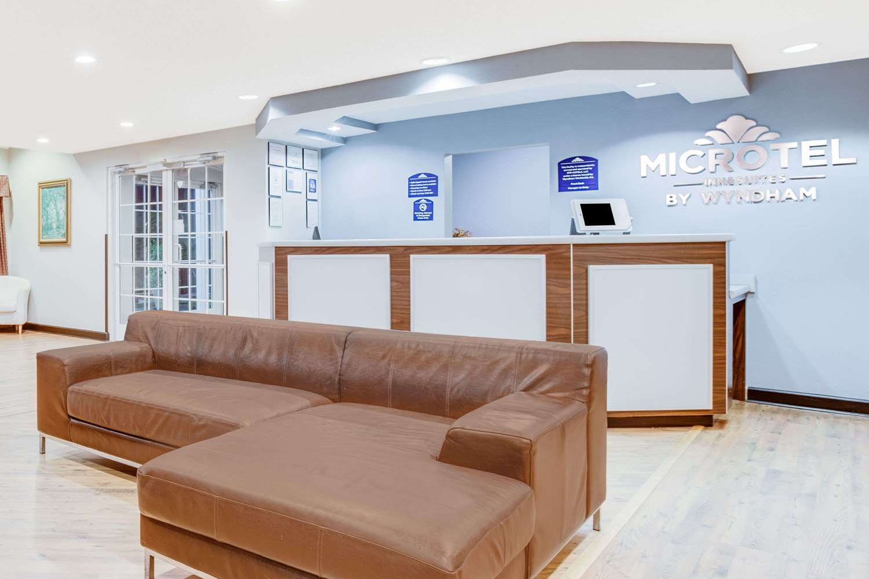 Lobby - Microtel Inn & Suites by Wyndham North Columbus
