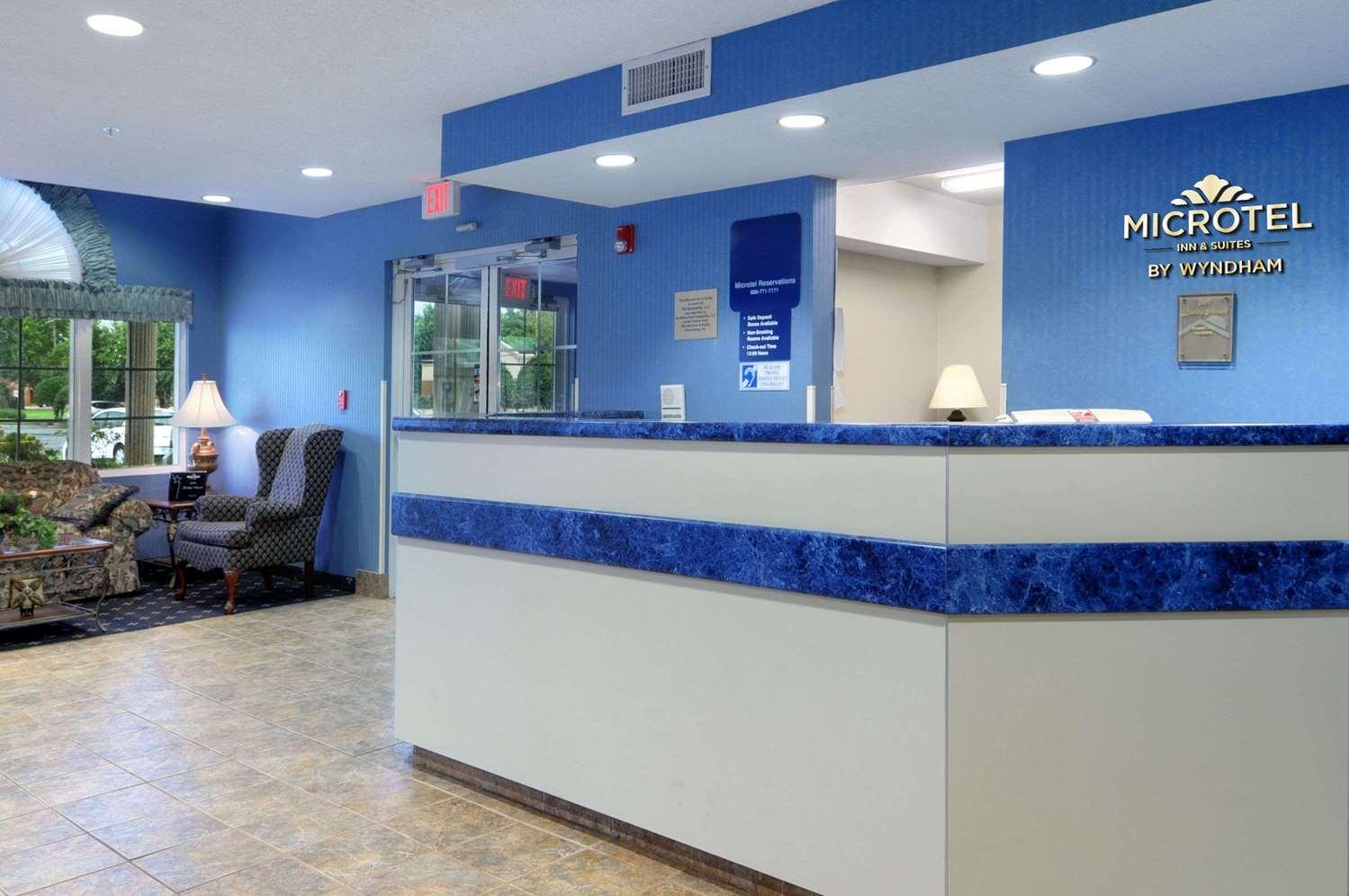 Lobby - Microtel Inn & Suites by Wyndham Bossier City