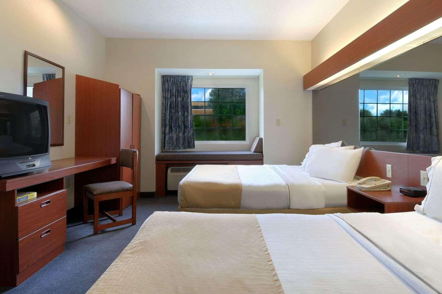 Room - Microtel Inn & Suites by Wyndham Bossier City