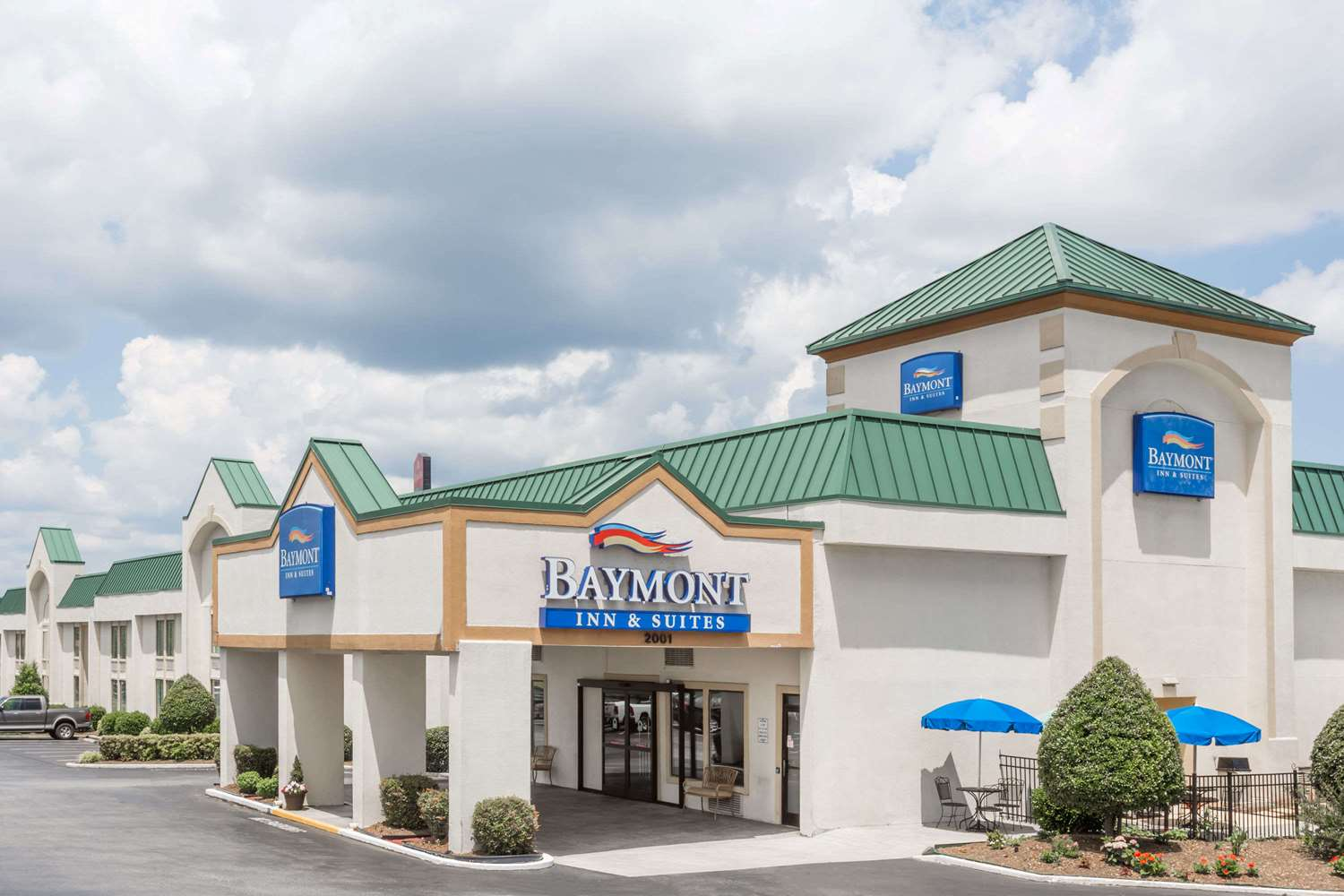 Exterior view - Baymont Inn & Suites Greensboro