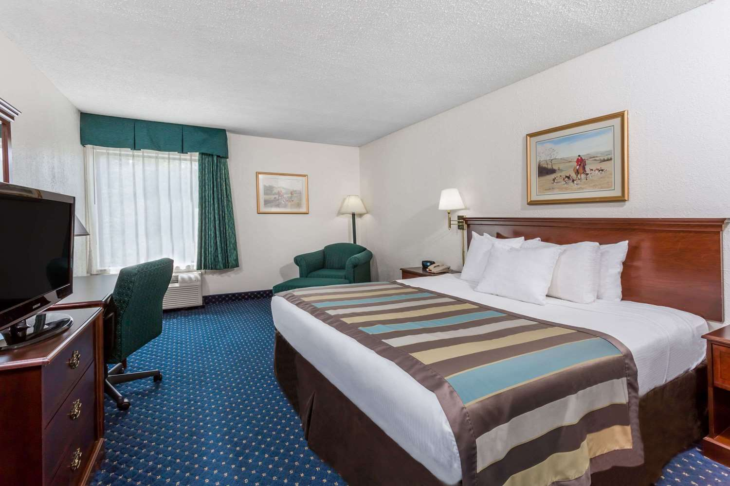 Room - Baymont Inn & Suites Greensboro