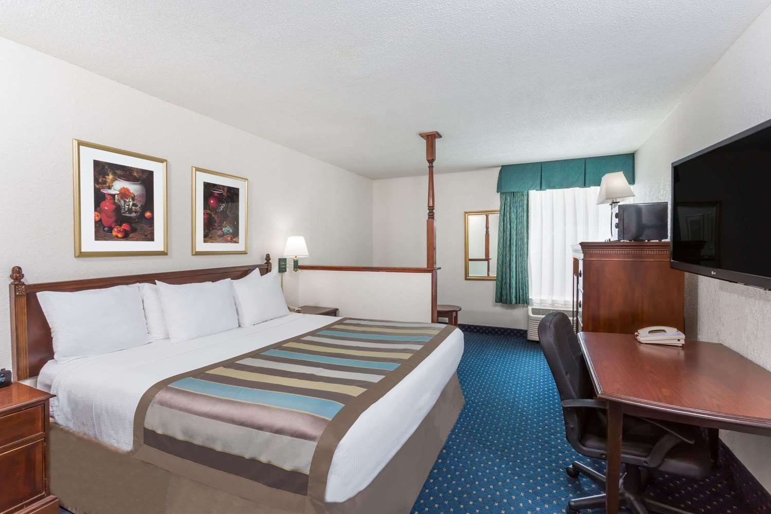 Suite - Baymont Inn & Suites Greensboro