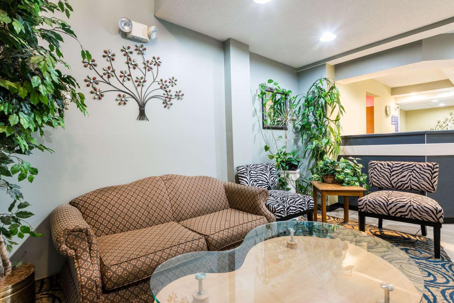 Lobby - Microtel Inn & Suites by Wyndham Riverside
