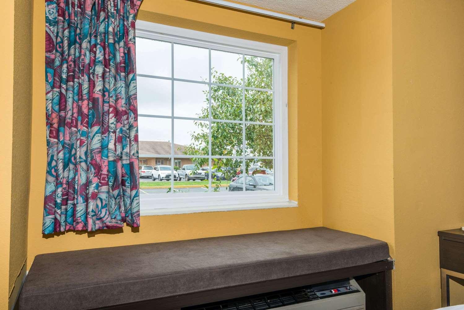 Amenities - Microtel Inn & Suites by Wyndham Riverside