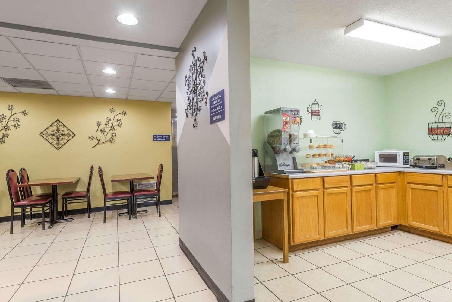 proam - Microtel Inn & Suites by Wyndham Riverside