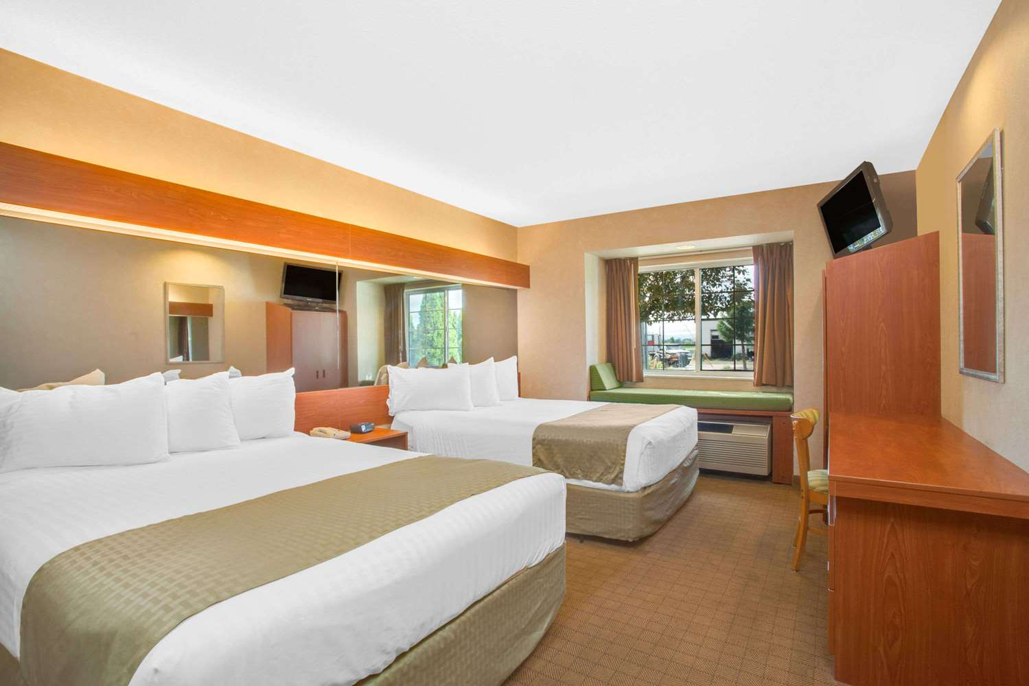 Room - Microtel Inn & Suites by Wyndham Springville