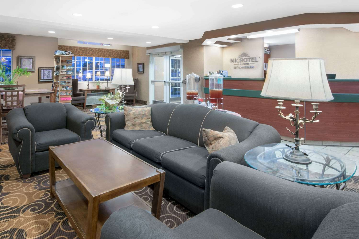Lobby - Microtel Inn & Suites by Wyndham Rapid City