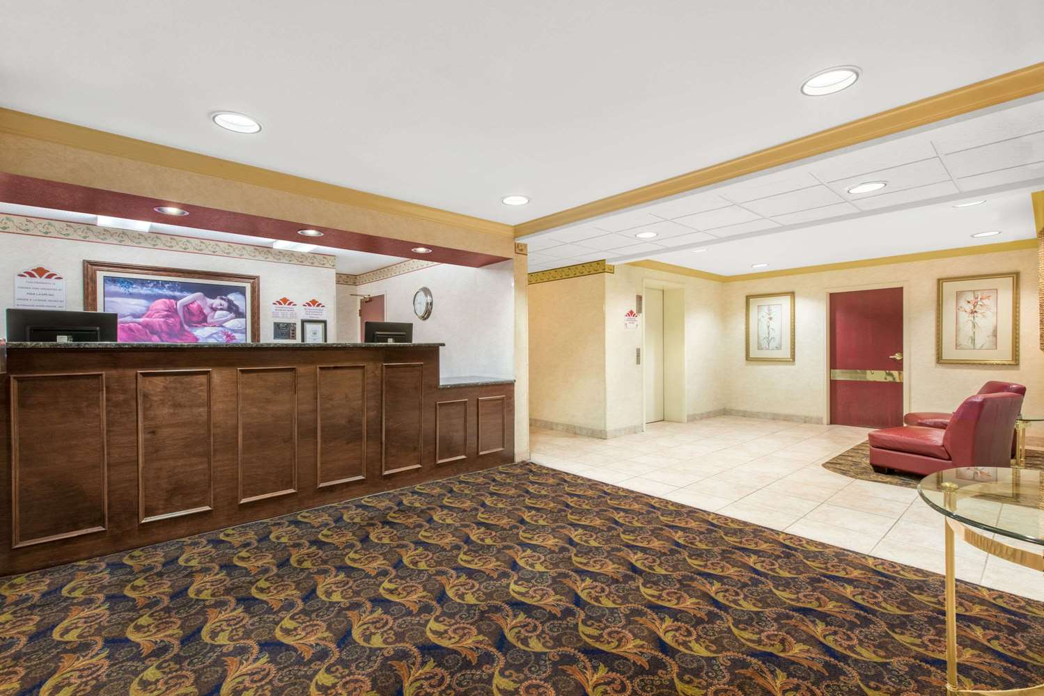 Lobby - Hawthorn Suites by Wyndham Lancaster
