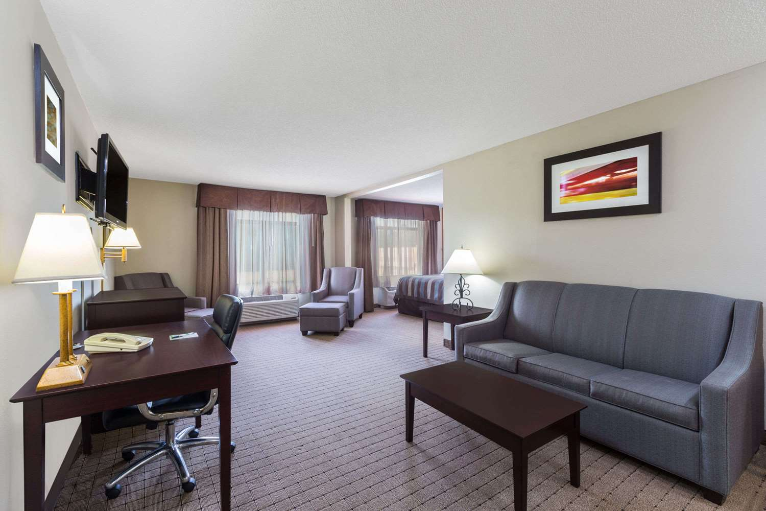 Suite - Wingate by Wyndham Hotel West Monroe