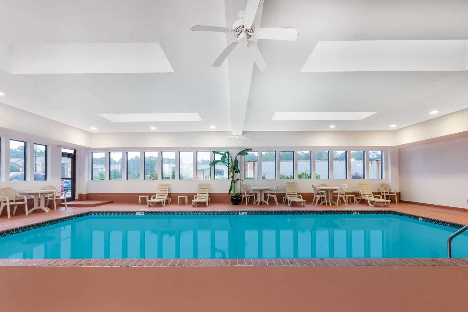 Pool - Wingate by Wyndham Hotel West Monroe