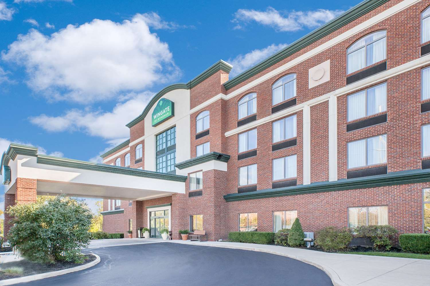 Exterior View Wingate By Wyndham Hotel Sylvania