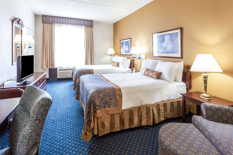 Room - Wingate by Wyndham Hotel Austell