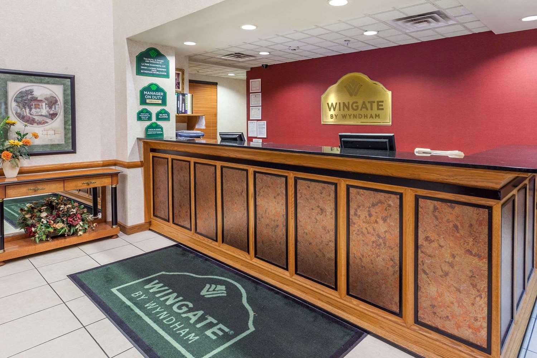 Lobby - Wingate by Wyndham Hotel Austell