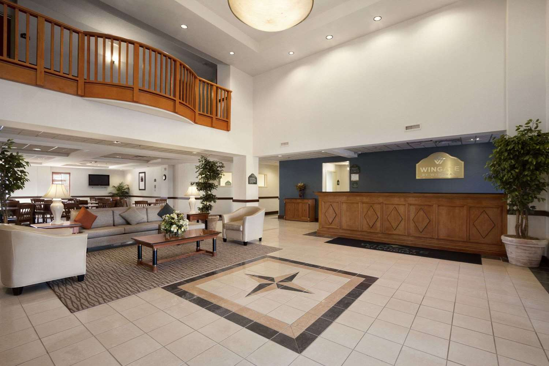 Lobby - Wingate by Wyndham Hotel Fort Gordon Augusta