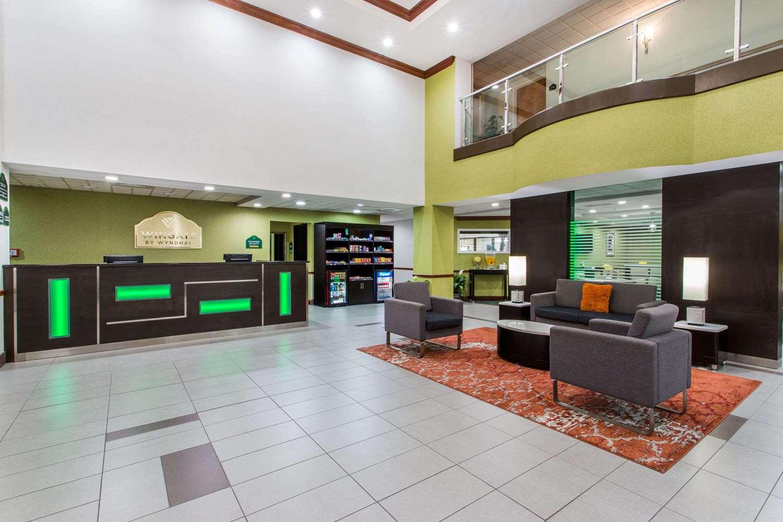 Lobby - Wingate by Wyndham Hotel Lynn Haven