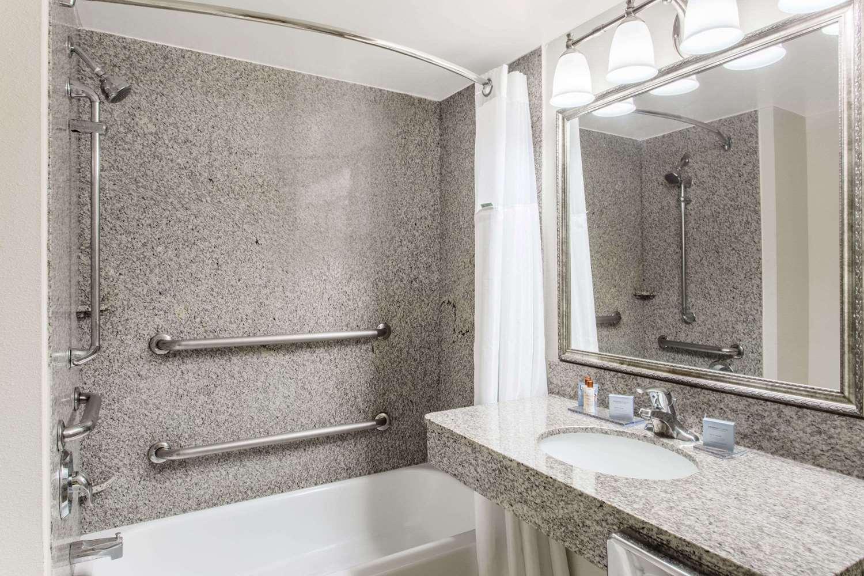 Room - Wingate by Wyndham Hotel Lynn Haven