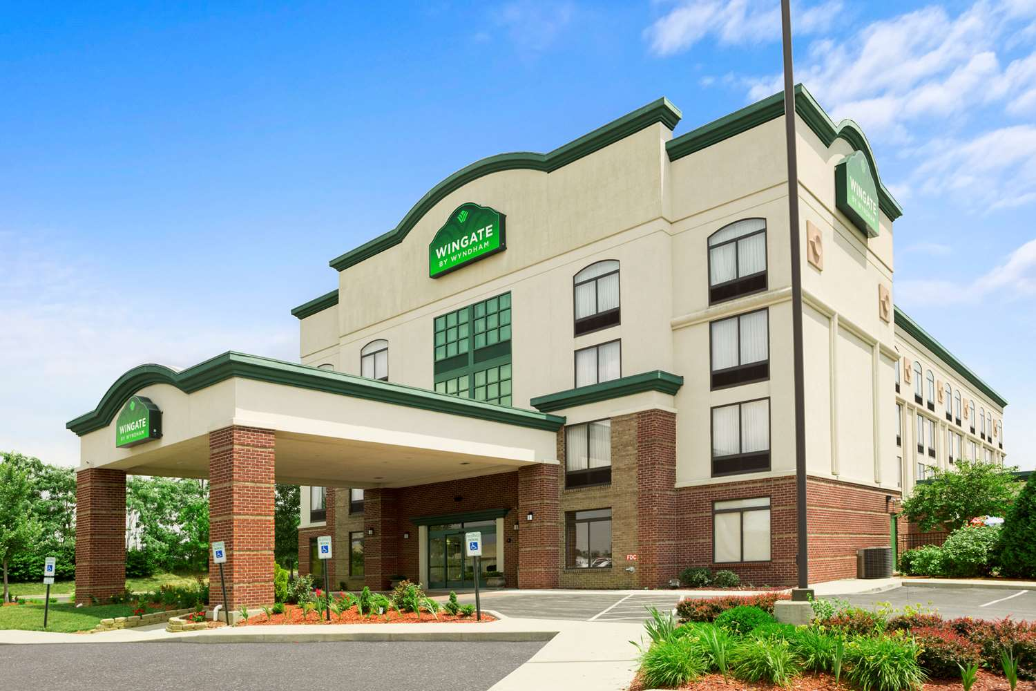 Exterior view - Wingate by Wyndham Hotel Jeffersontown