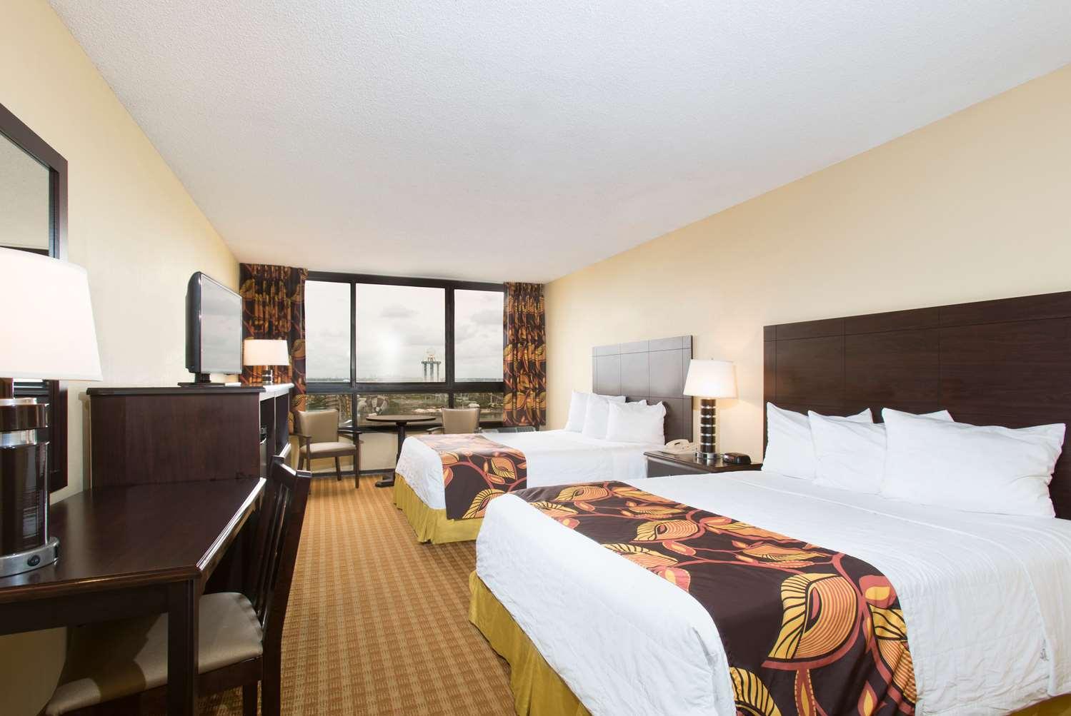 Room - Ramada Plaza Resort International Drive Orlando
