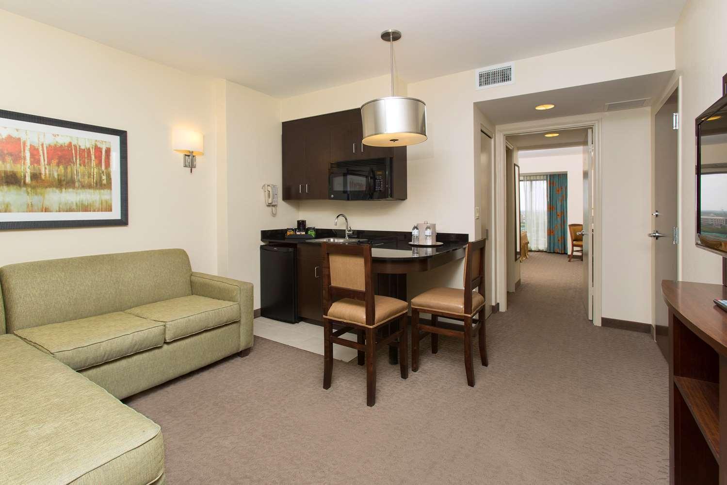 Suite - Ramada Plaza Resort International Drive Orlando