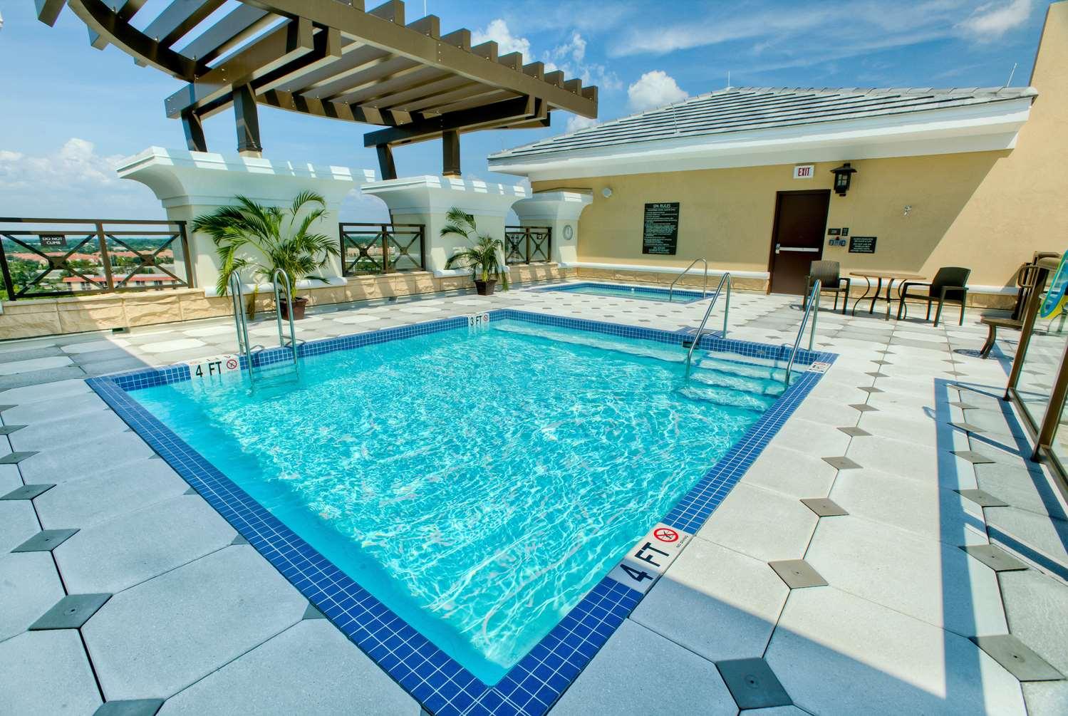 Pool - Ramada Plaza Resort International Drive Orlando