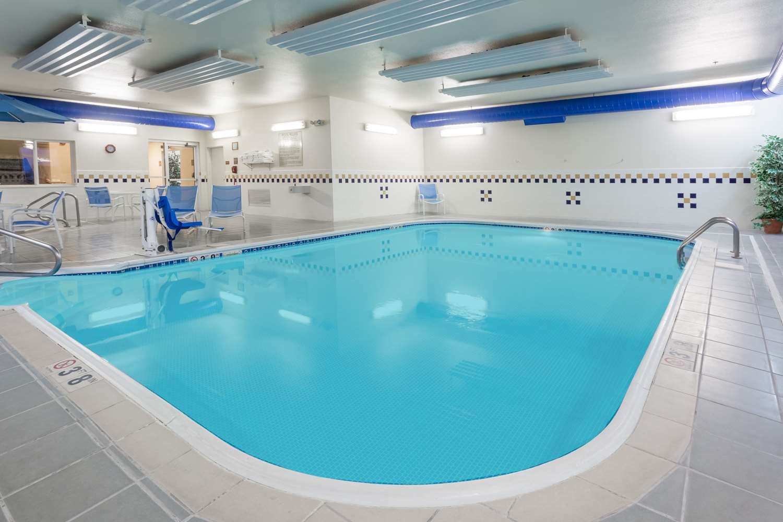 Pool - Super 8 Hotel Wheatland