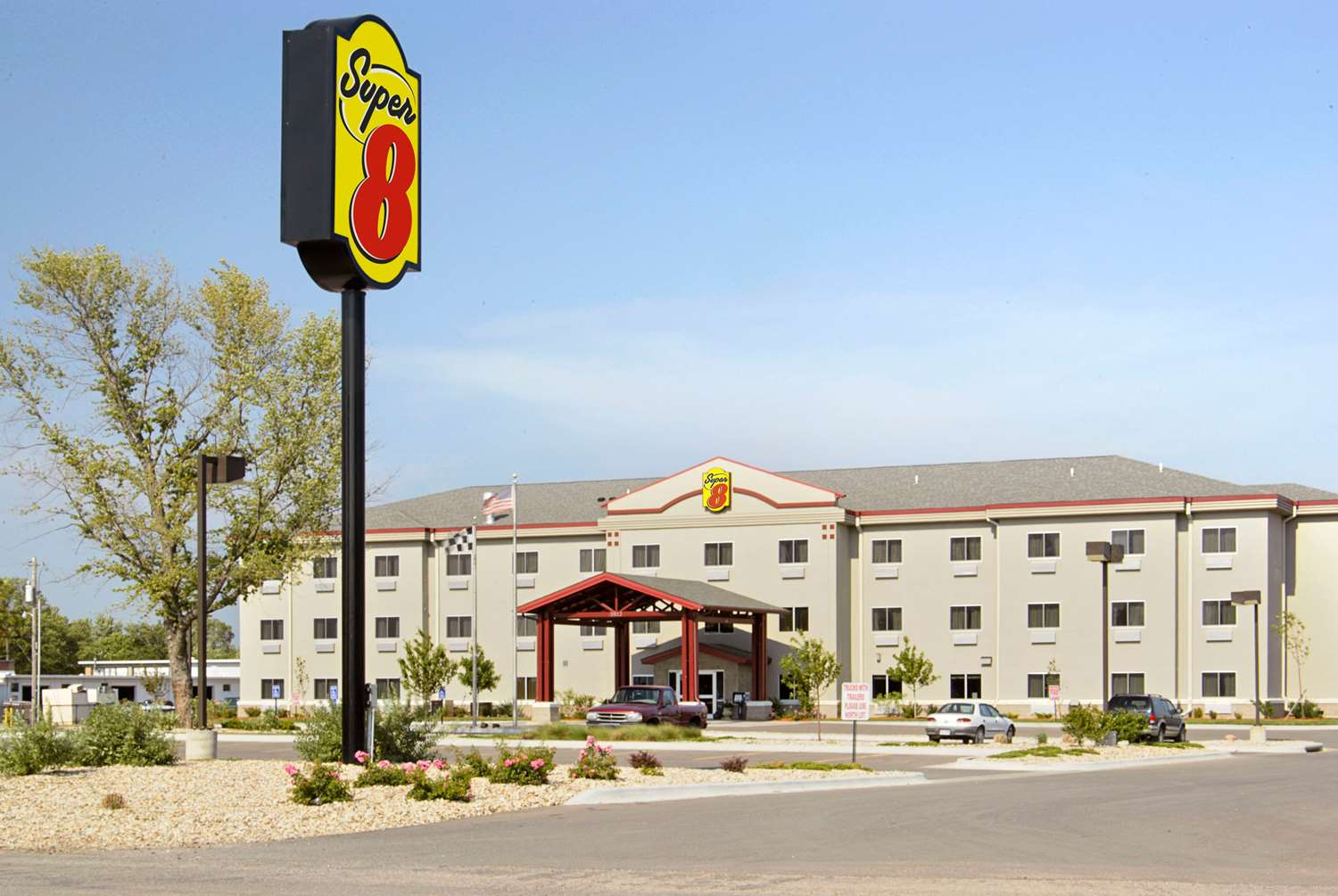 Exterior view - Super 8 Hotel Airport Topeka