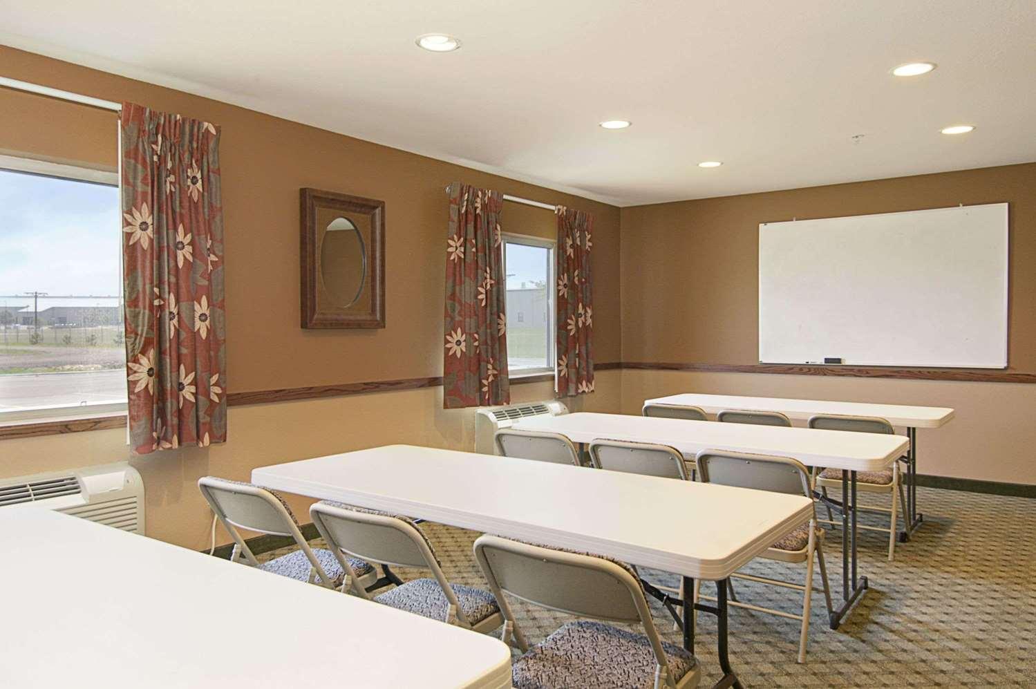 Meeting Facilities - Super 8 Hotel Airport Topeka