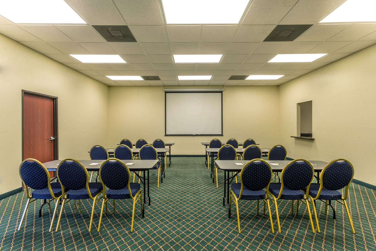 Meeting Facilities - Days Inn Houma