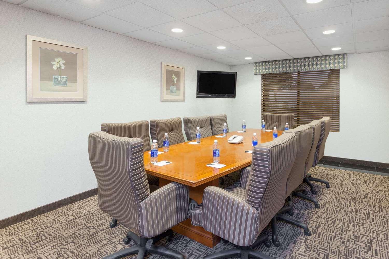 Meeting Facilities - Wingate by Wyndham Hotel Yuma
