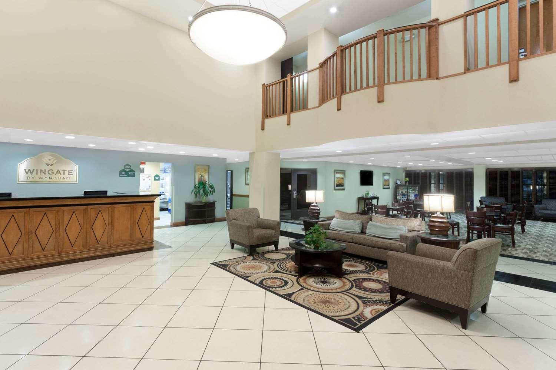 Lobby - Wingate by Wyndham Hotel Yuma