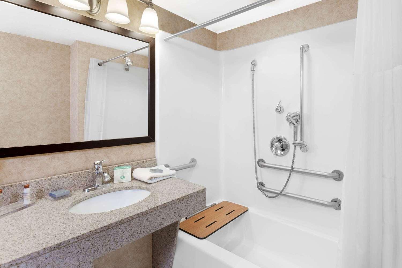 Room - Wingate by Wyndham Hotel Yuma