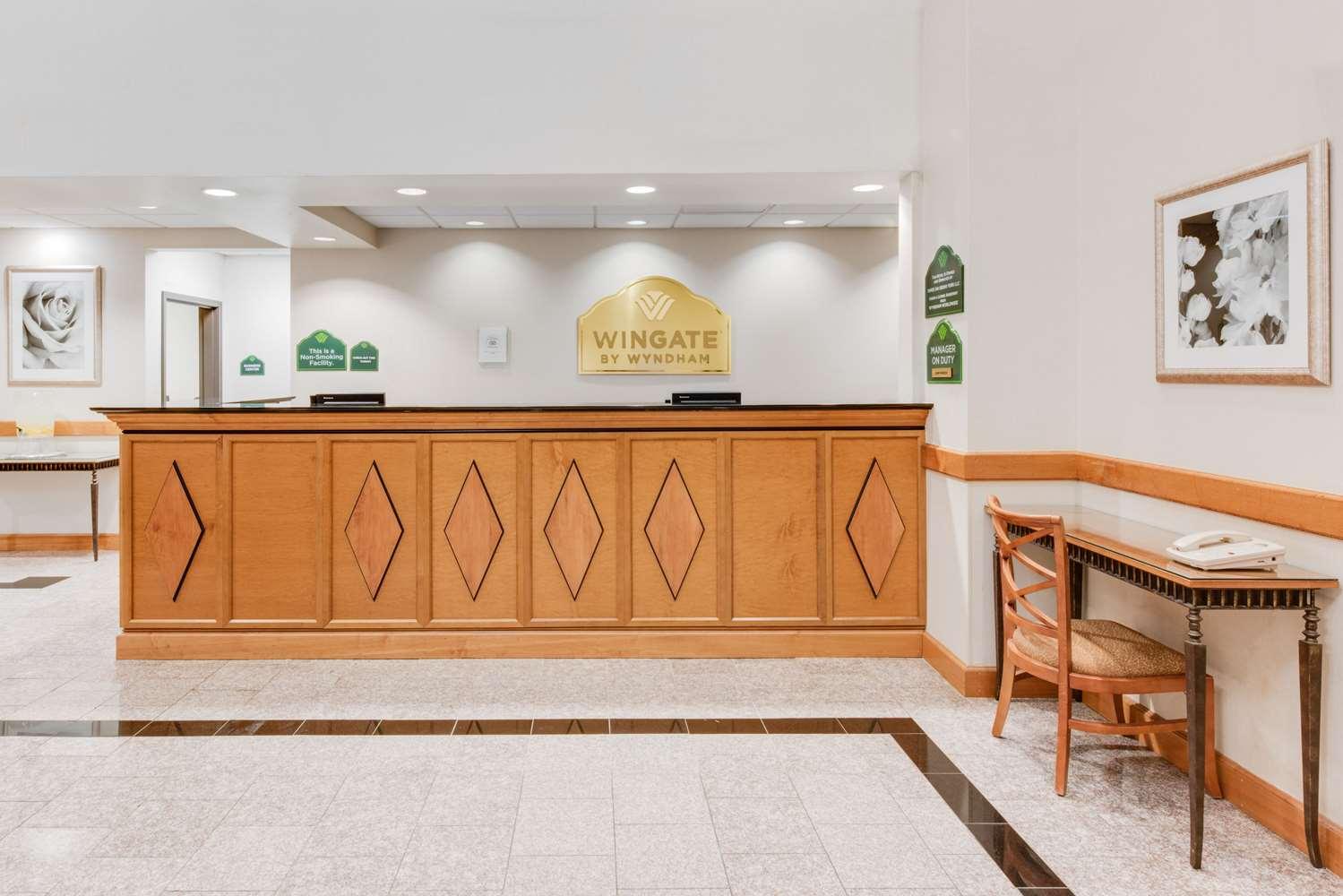 Lobby - Wingate by Wyndham Hotel York