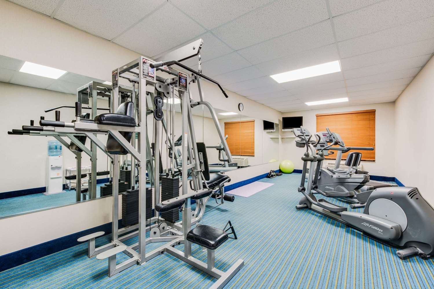 Fitness/ Exercise Room - Wingate by Wyndham Hotel York