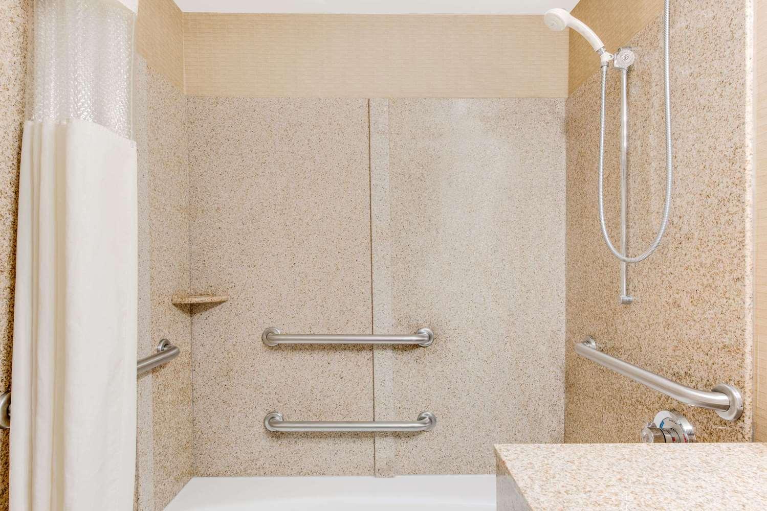 Room - Wingate by Wyndham Hotel York