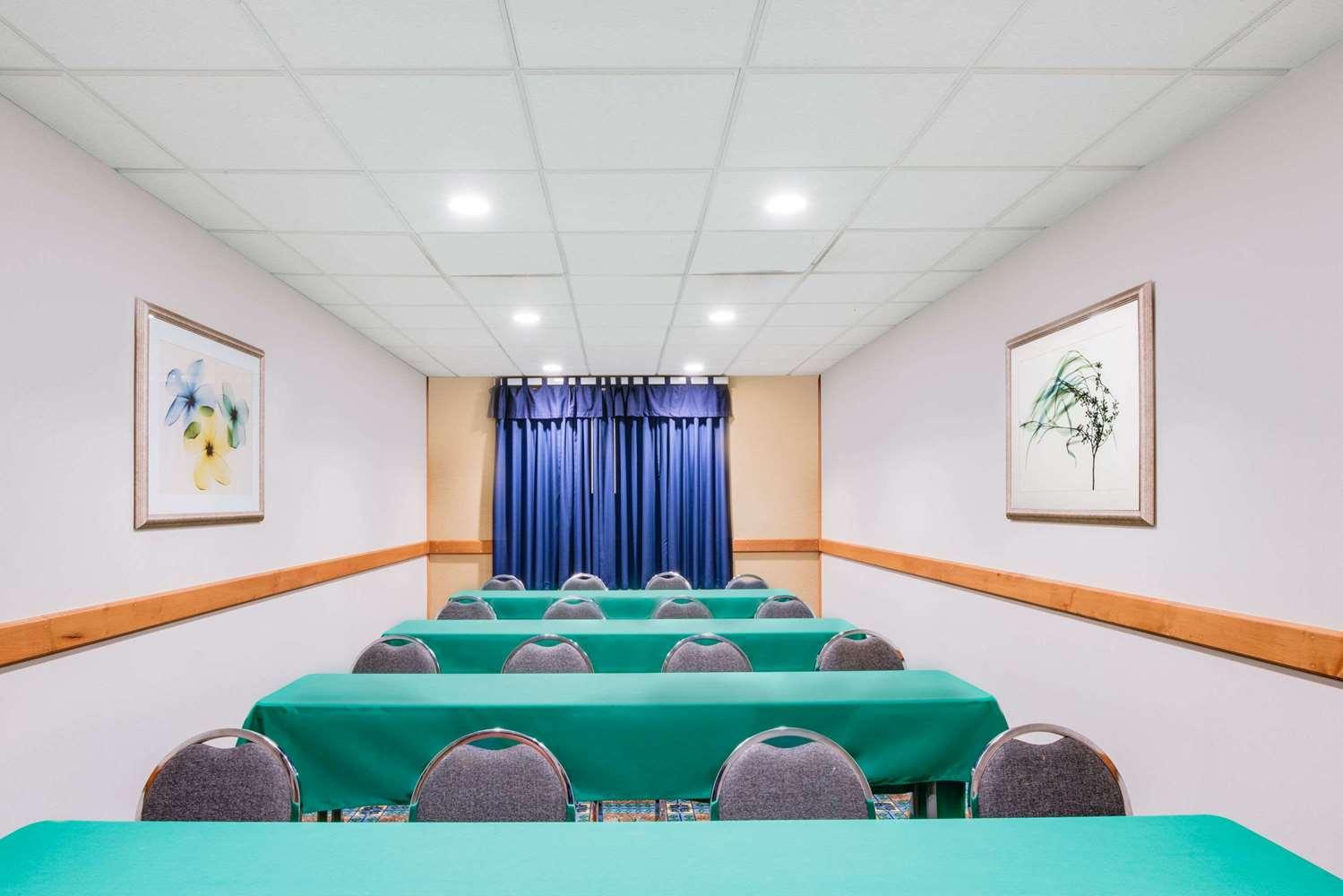 Meeting Facilities - Wingate by Wyndham Hotel York