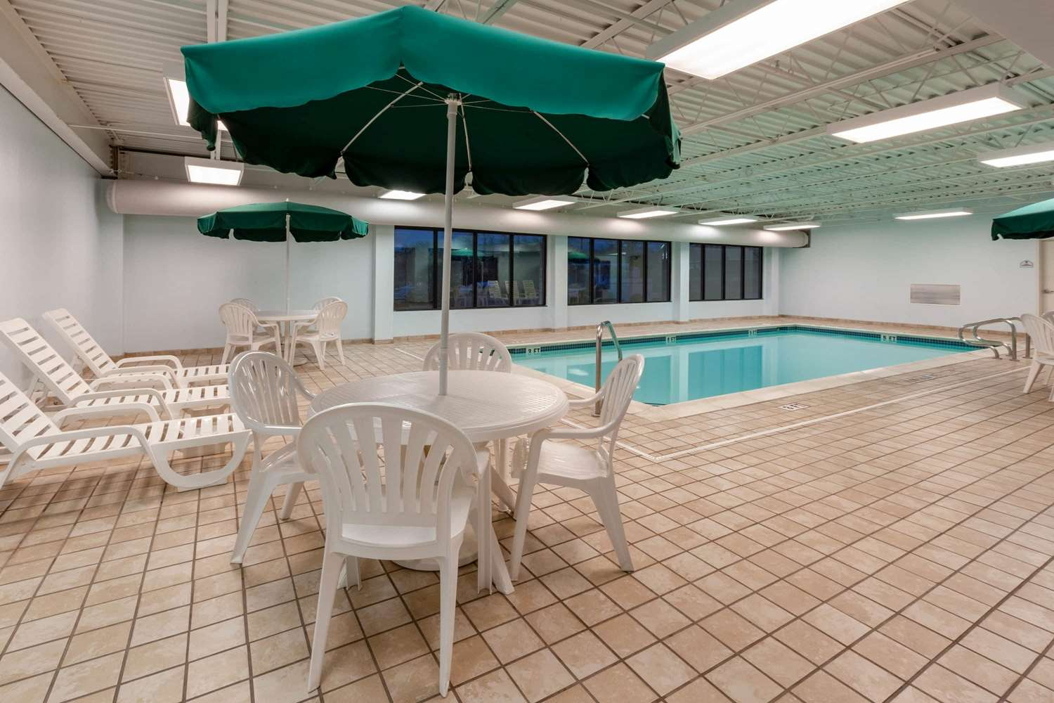 Pool - Wingate by Wyndham Hotel Erie