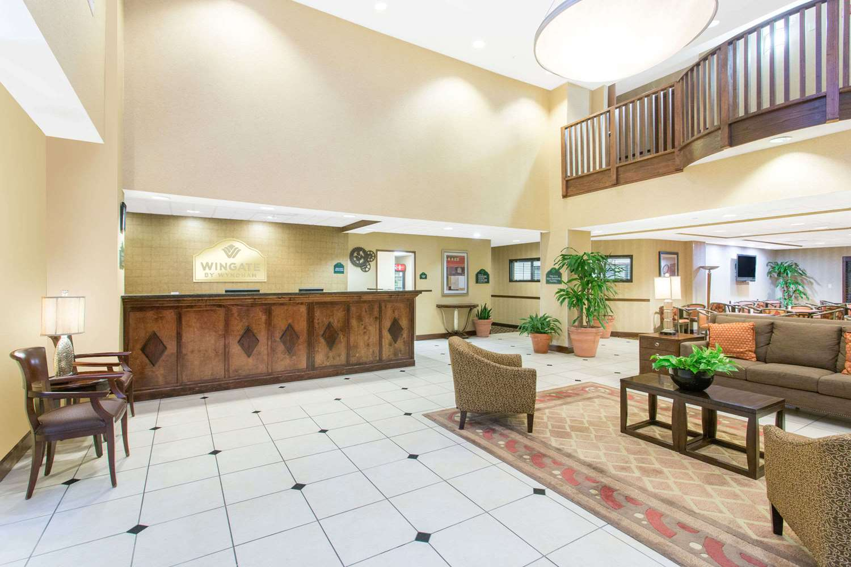 Lobby - Wingate by Wyndham Hotel Airport Savannah